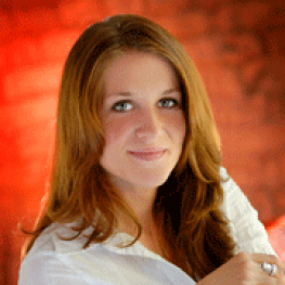 Veronica Davidson headshot