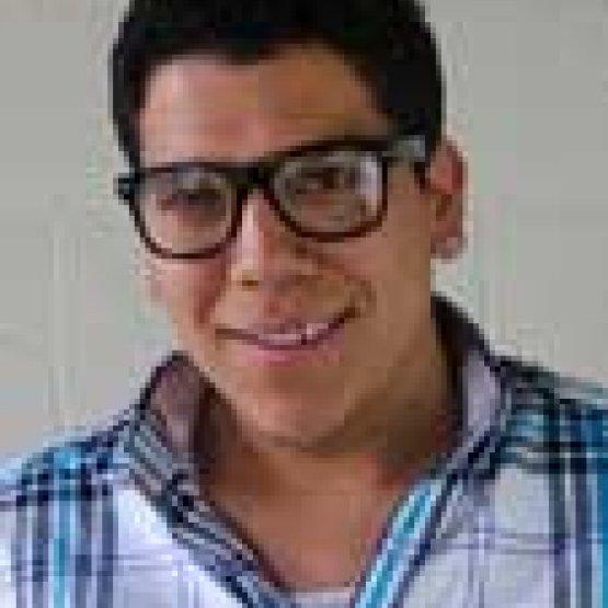 Ernesto Olivares headshot