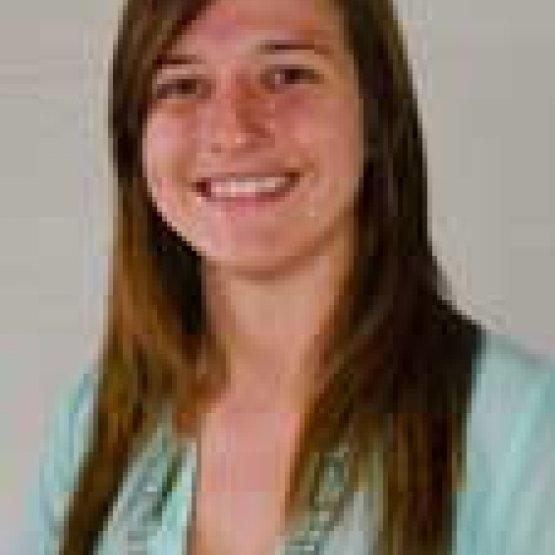 Lacy Larsen headshot