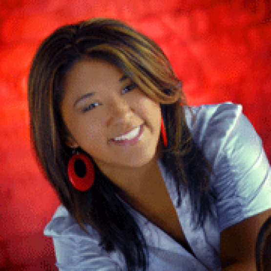 Joscelynn Carbonell headshot